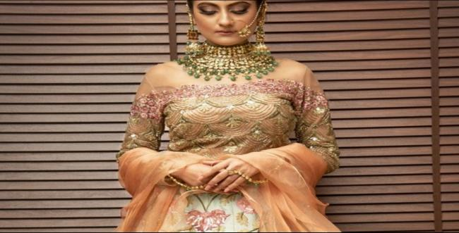 16 Engagement dresses for Indian brides-to-be – 2020 collection.