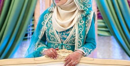 Traditional Wedding outfit of an Indian Muslim bride
