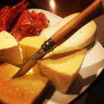 Ost & chark - Brieost, Almnäs tegel, lufttorkad skinka, salami & rökt sidfläsk