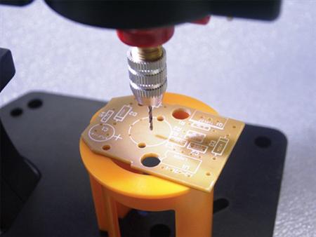 Mini-berbequim com suporte e LED