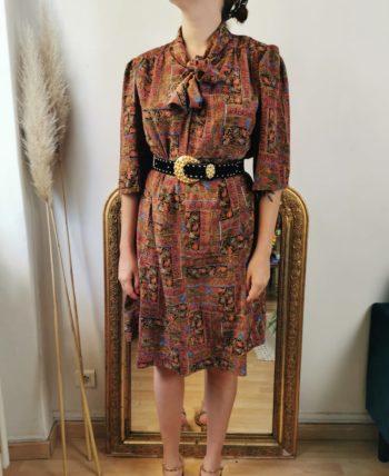 Très jolie robe à motifs col lavallière vintage T 40