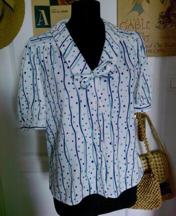 Petite blouse à manches bouffantes année 80-90