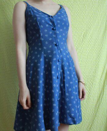 Adorable robe bleue liberty 1980 T.34