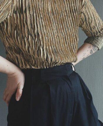 Haut vintage doré