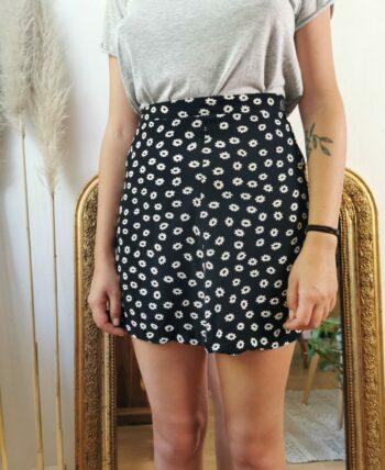 Jolie petite jupe à fleurs vintage