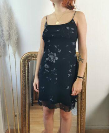 Jolie robe fines bretelles vintage à fleurs