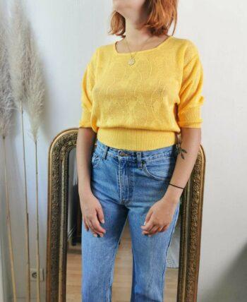 Très joli top en maille court jaune vintage