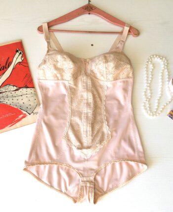 Body Gainant  lingerie vintage à dentelle et zip, 95C/D, taille 44