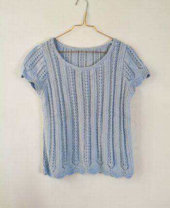 Joli crochet bleu ciel manches courtes