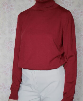 pull col roulé rouge