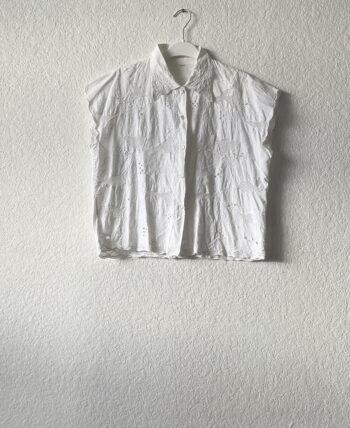 Blouse courte brodée blanche en coton