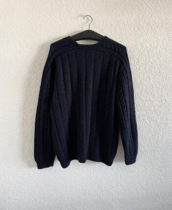 Pull en laine épaisse torsadé bleu marine à manches col carré