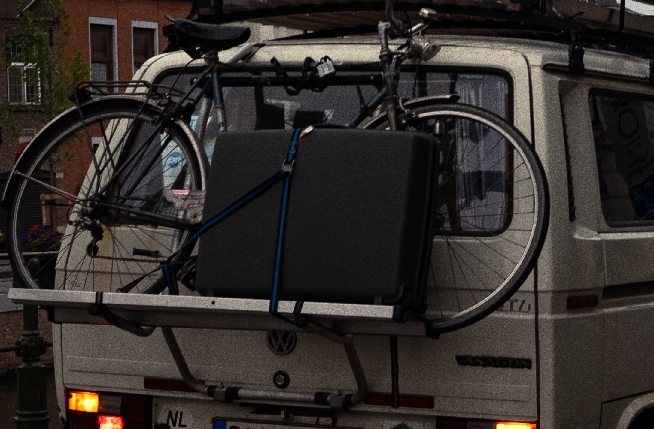 Mountain bike Mounted to Van