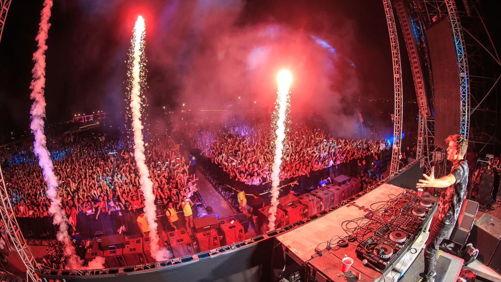 Martin Garrix performing at Sun City Music Festival 2014