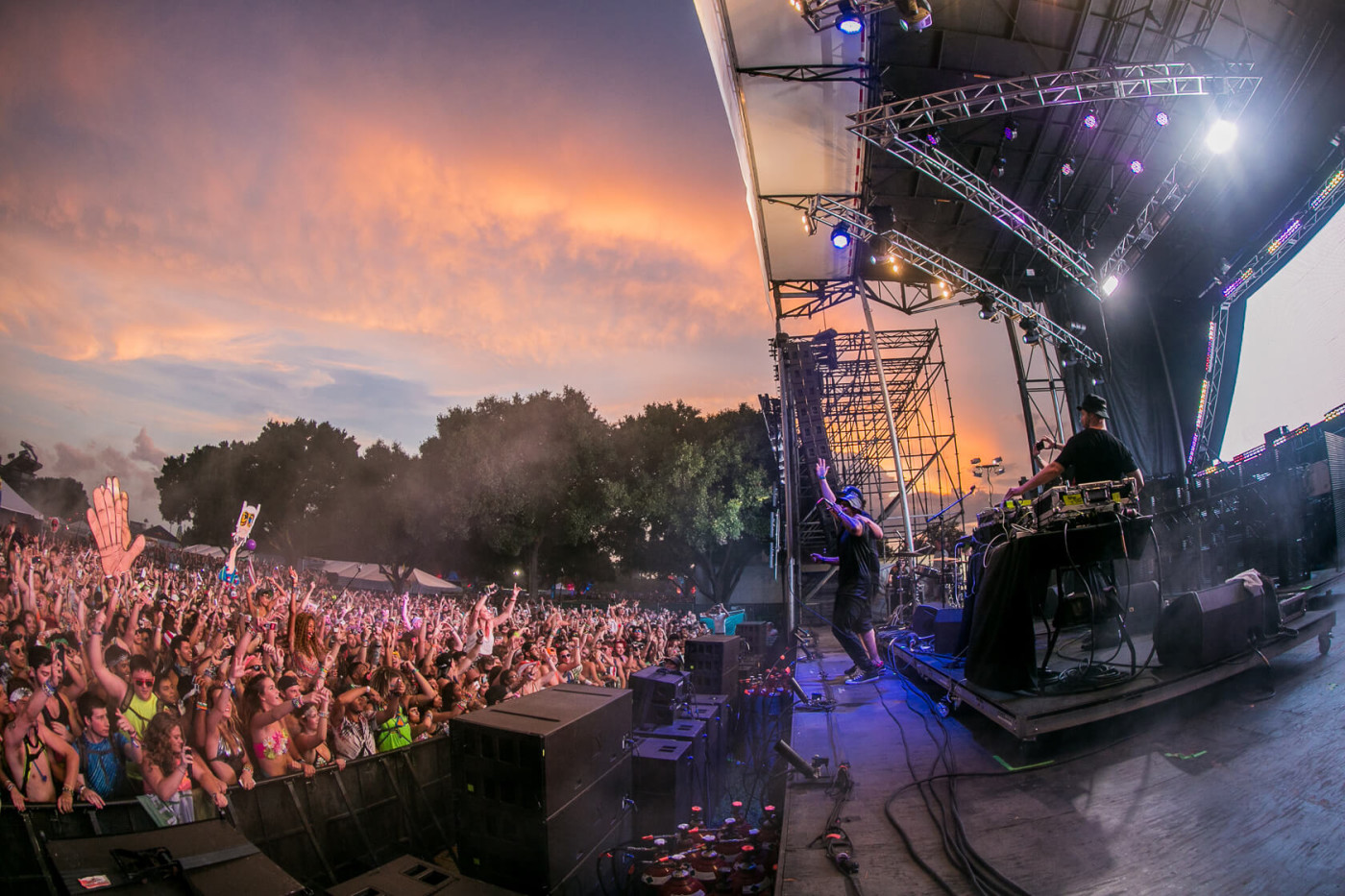 Keys N Krates performing at Sunset Music Festival 2015