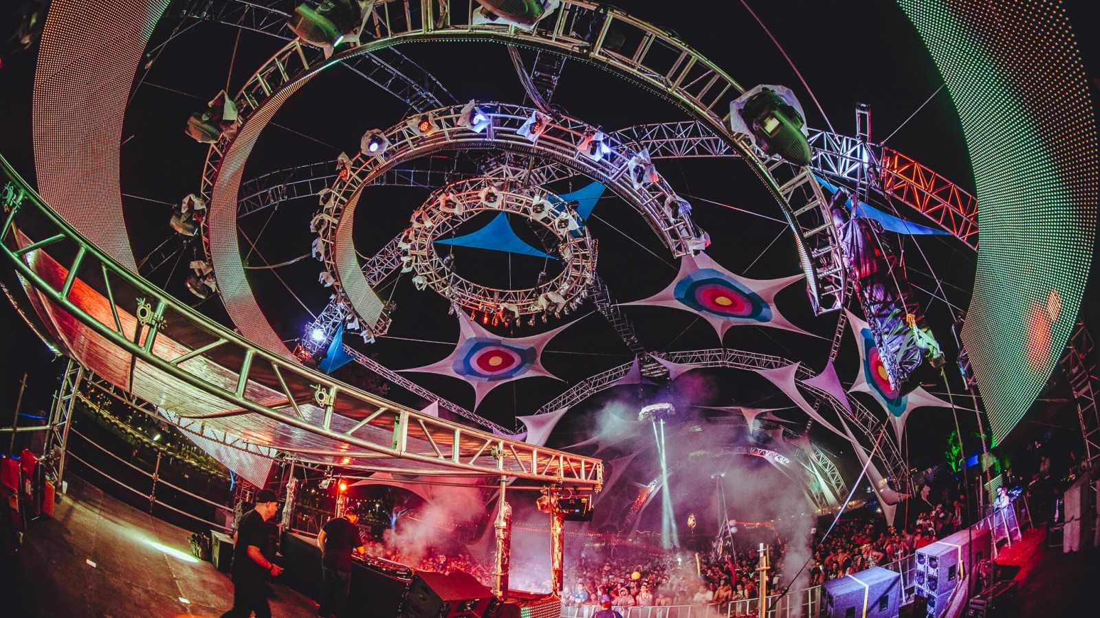 Horizon stage at Sunset Music Festival 2016