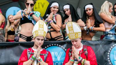 Fans at Sunset Music Festival 2015