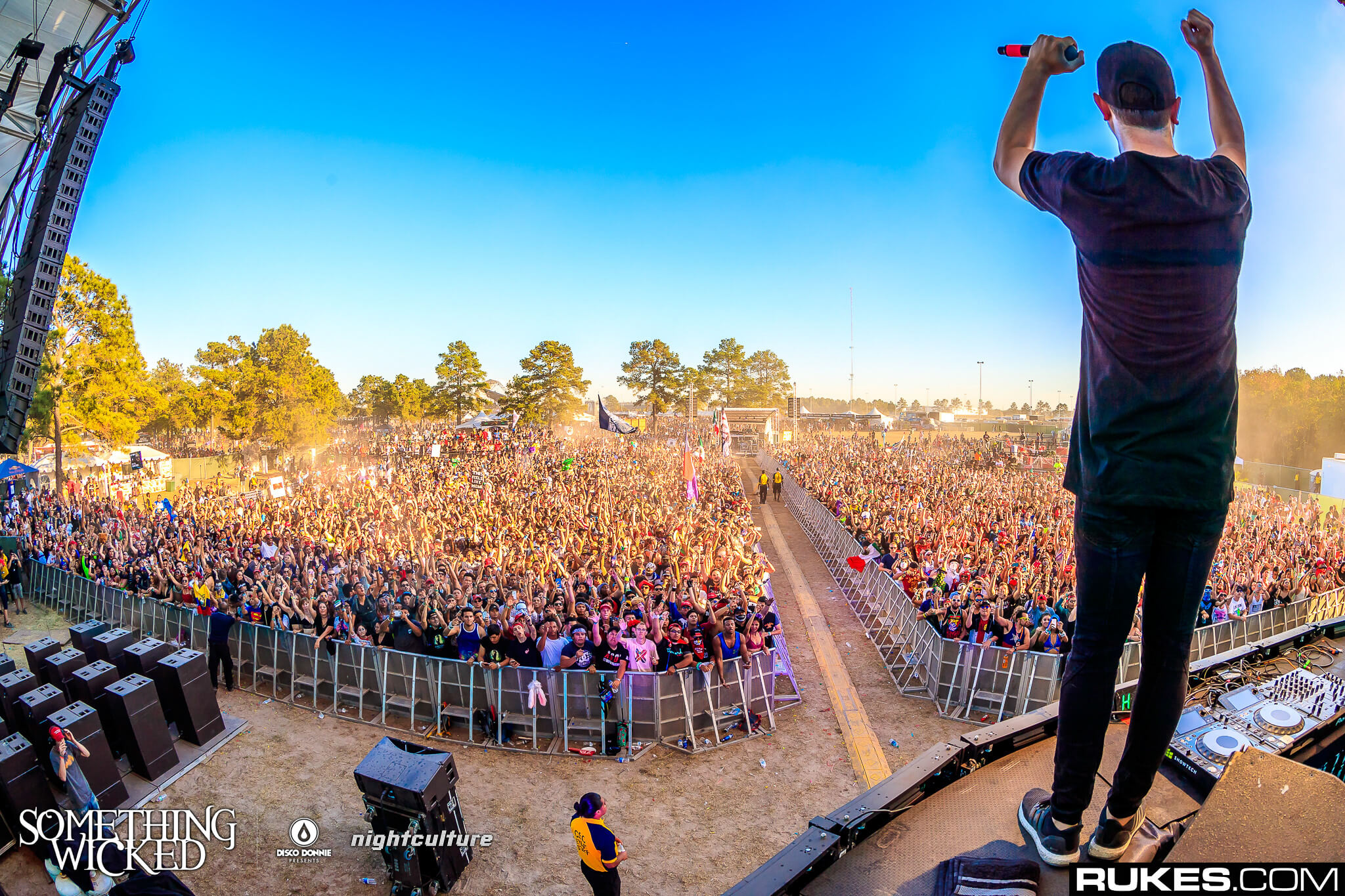 Borgeous performing at Something Wicked. Photo by Rukes.