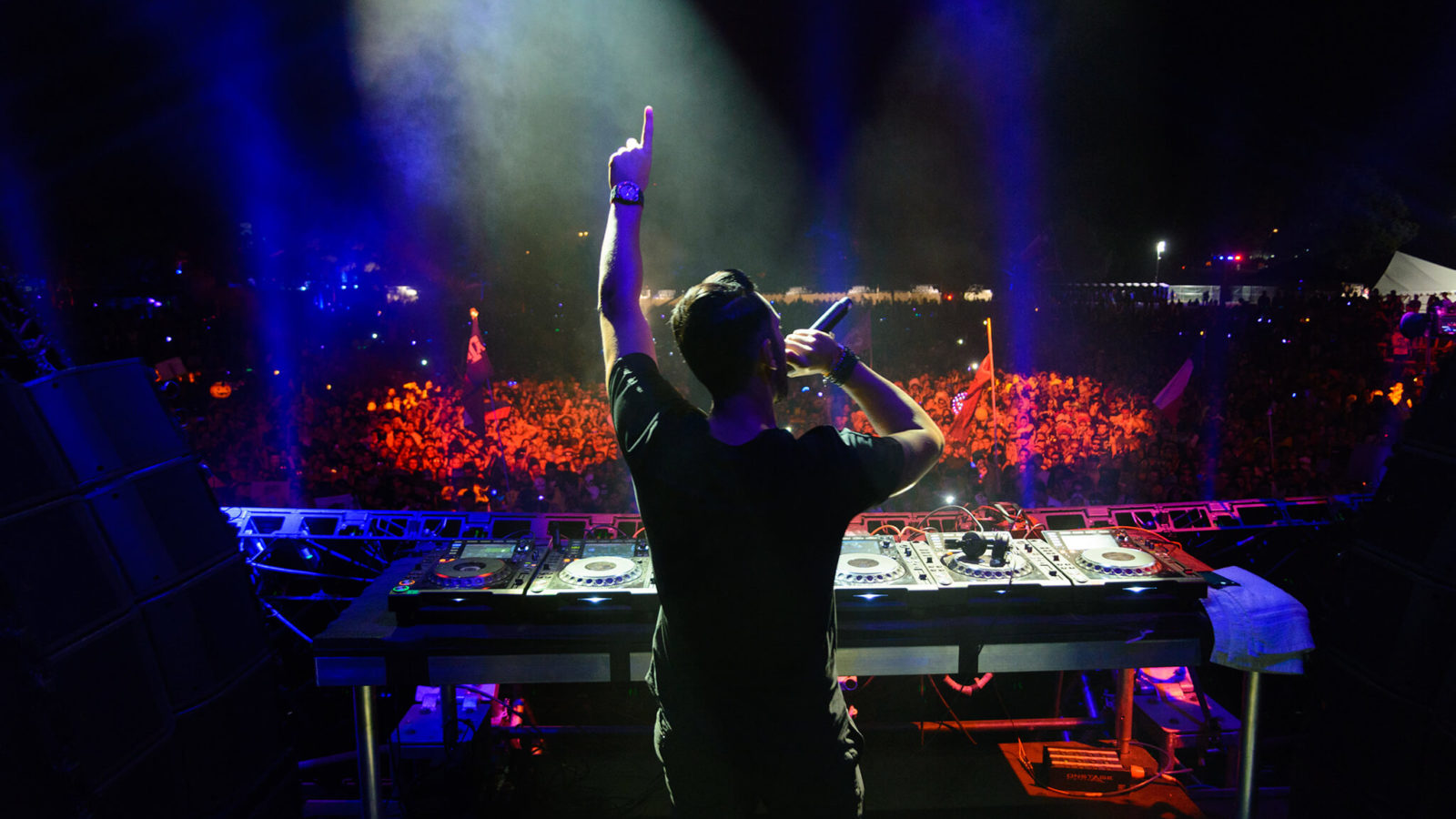 cedric gervais performing at something wicked