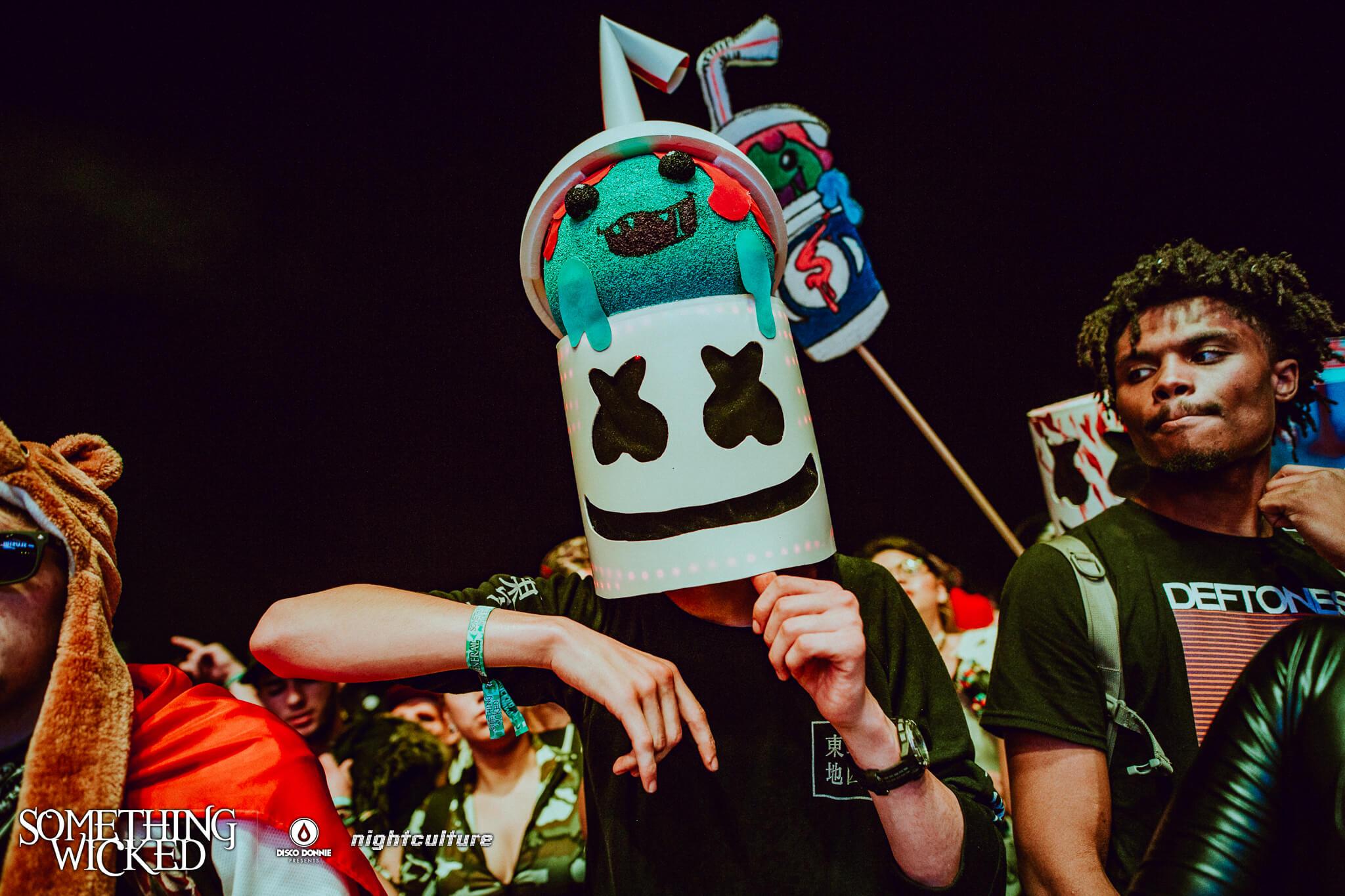 Fan in costume at Something Wicked. Photo by Julian Bajsel.