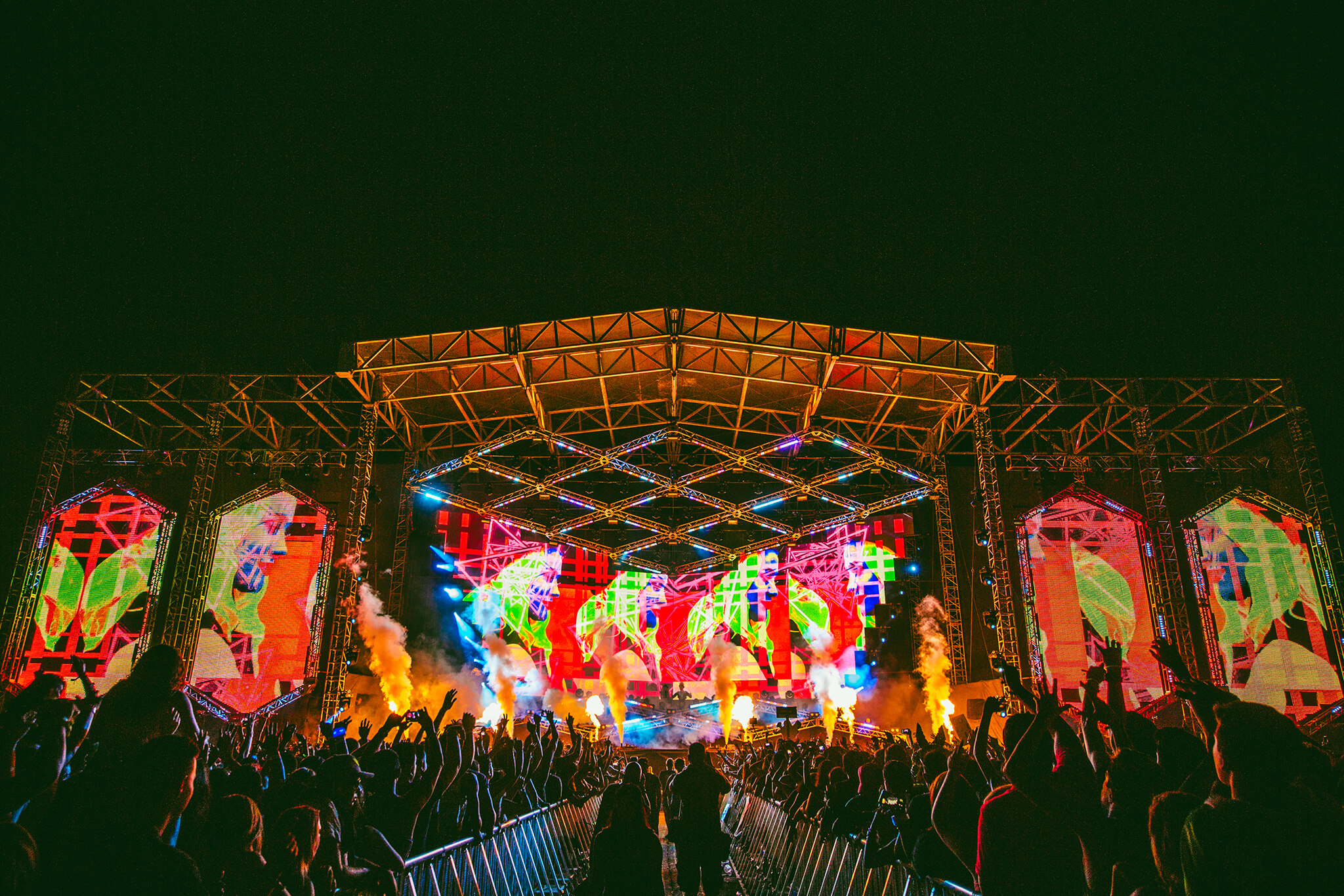 Main stage at Sun City Music Festival 2015.