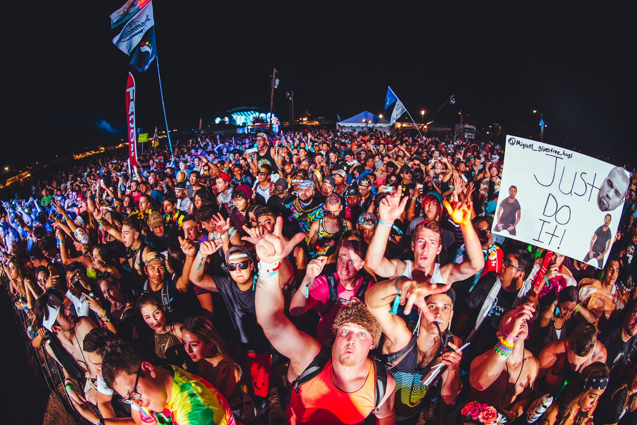 front of crowd at sun city music festival 2015