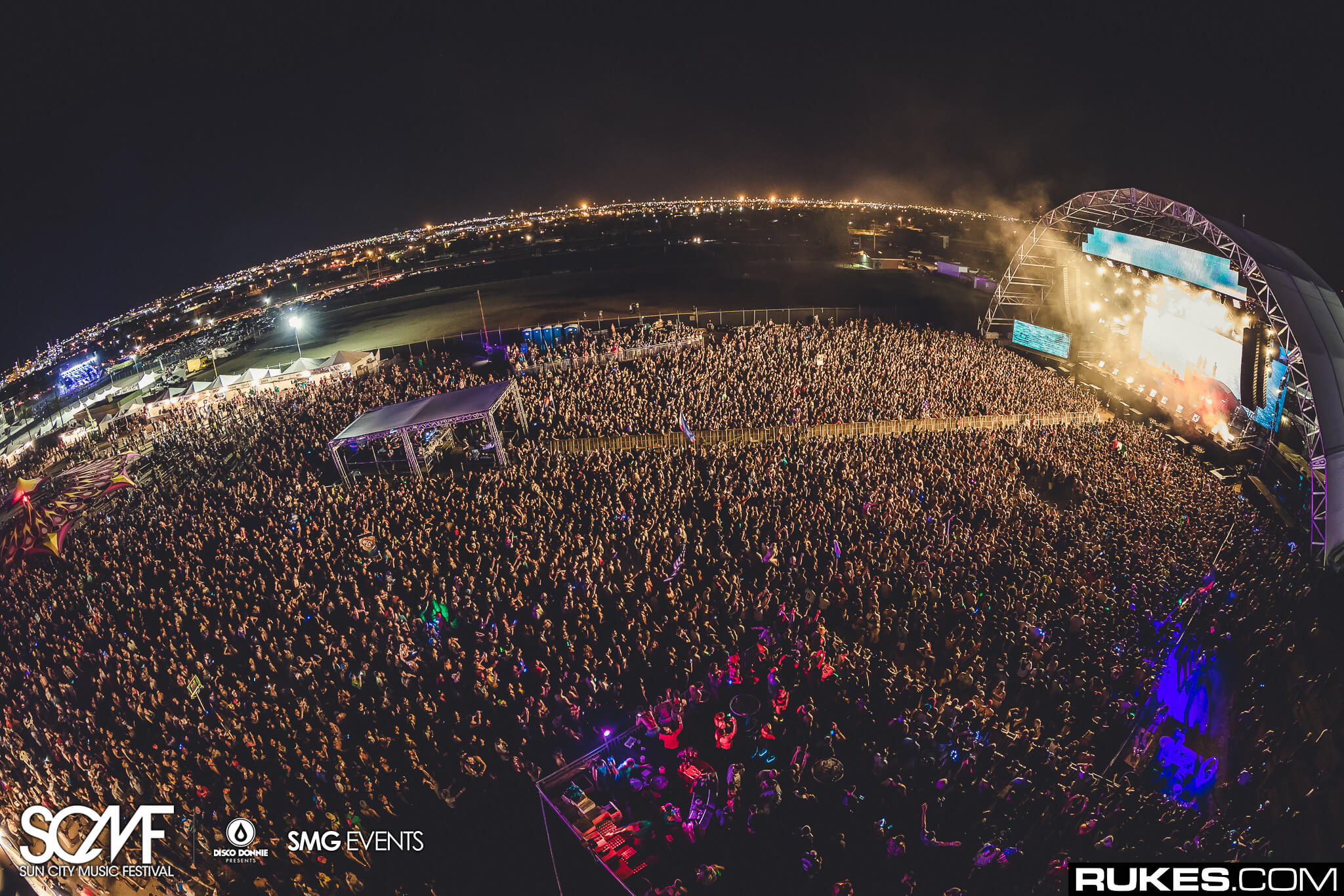 sea of people sun city music festival main stage finale
