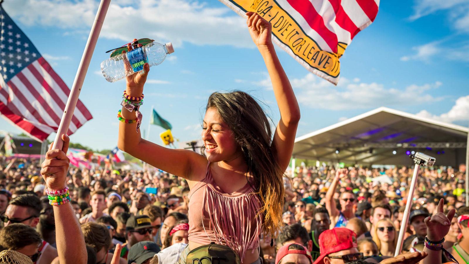 Fan at Sunset Music Festival 2016