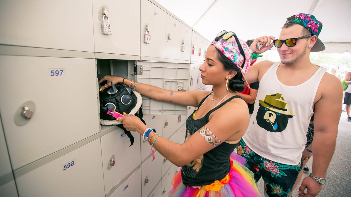 Fans using lockers at Sunset Music Festival 2015