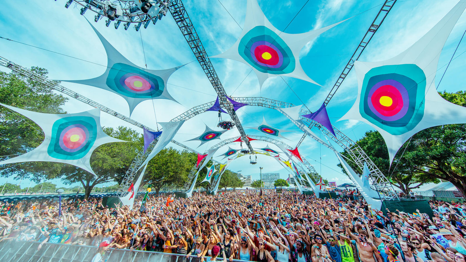 Stage at Sunset Music Festival 2016