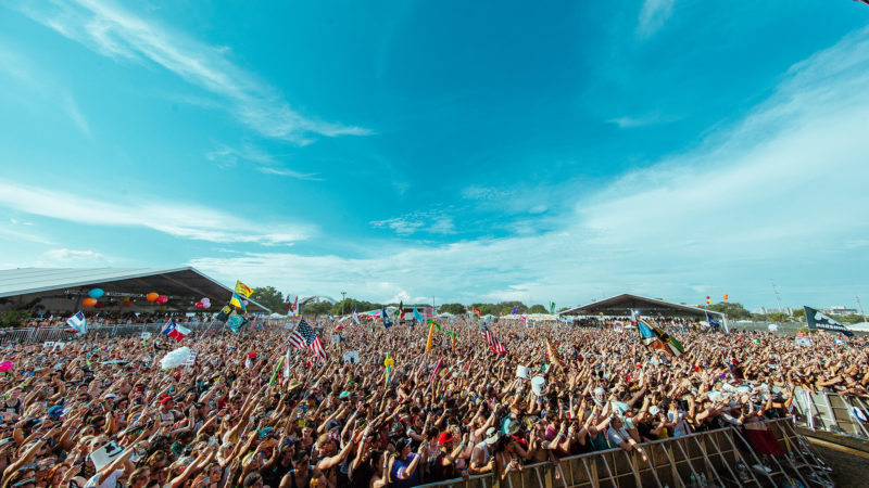 crowd at smf