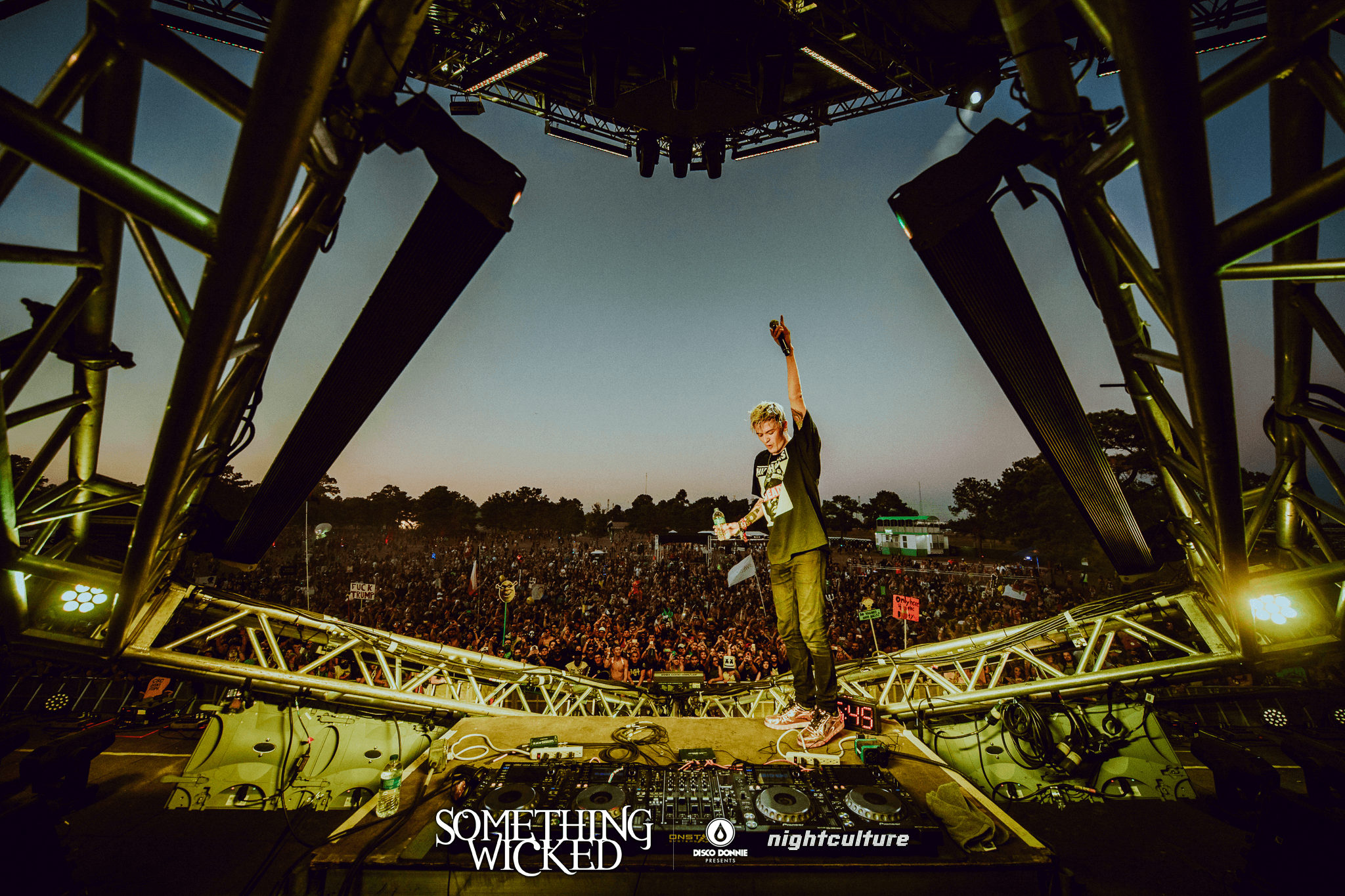 ghastly on stage at sun city