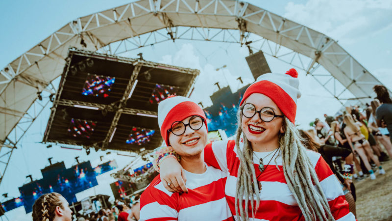 where's waldo festival fans in costume