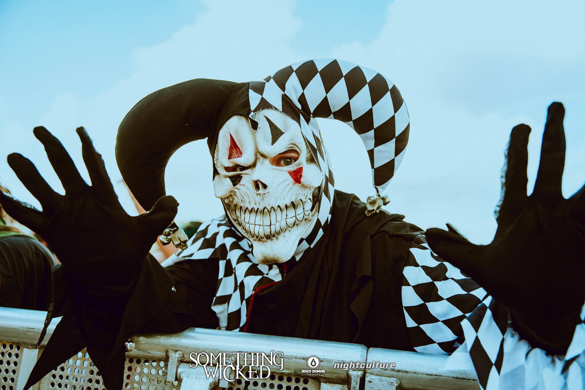 wicked fan in costume