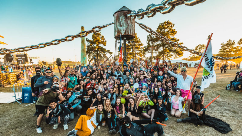 official crew of something wicked