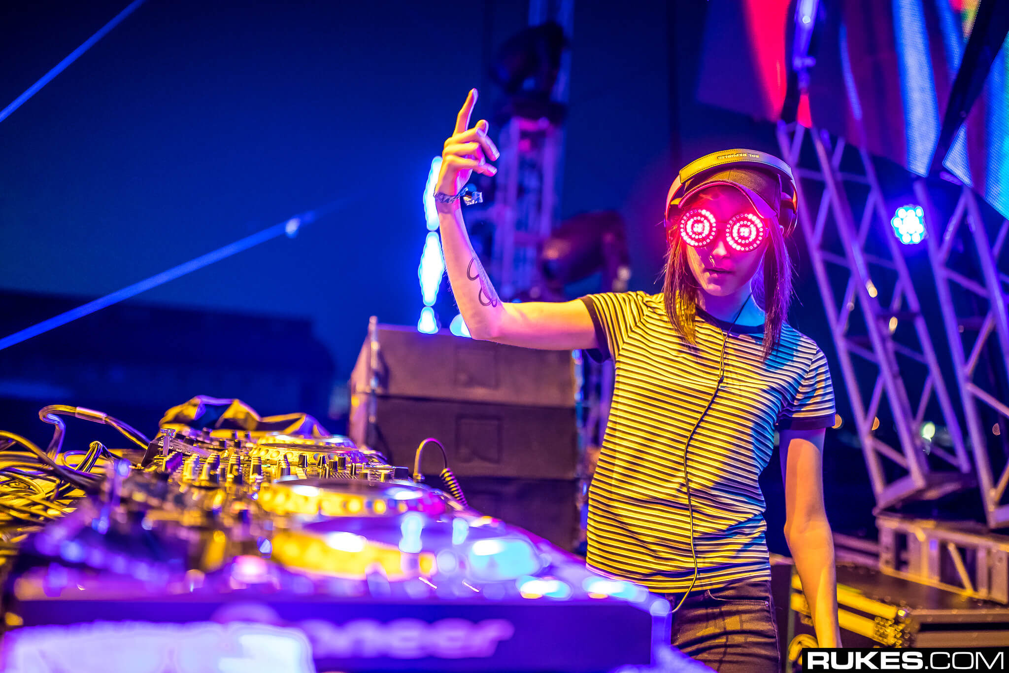 rezz live at something wonderful festival