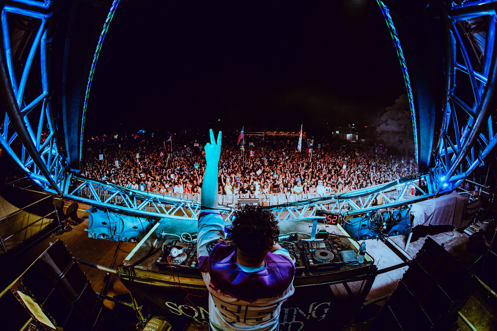 slushii live at something wicked festival