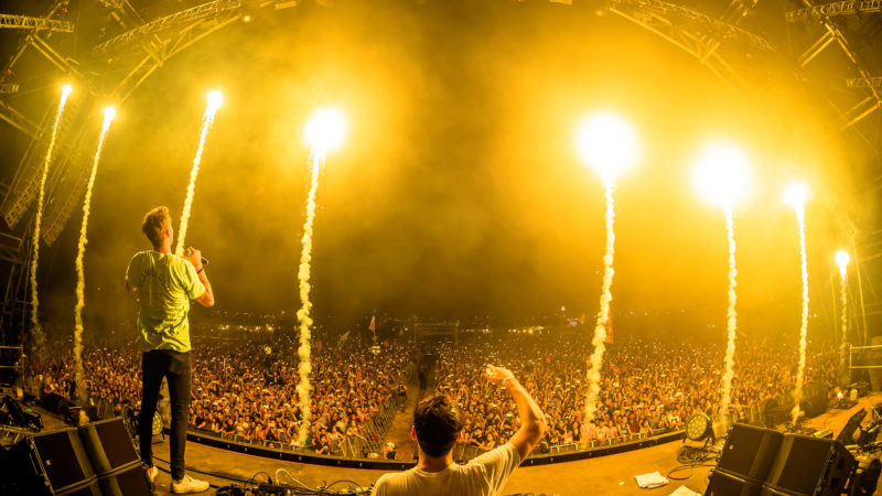 the chainsmokers headline sun city
