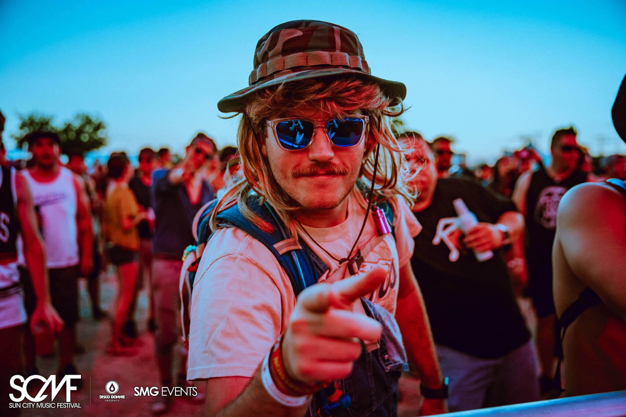 festival fan at scmf