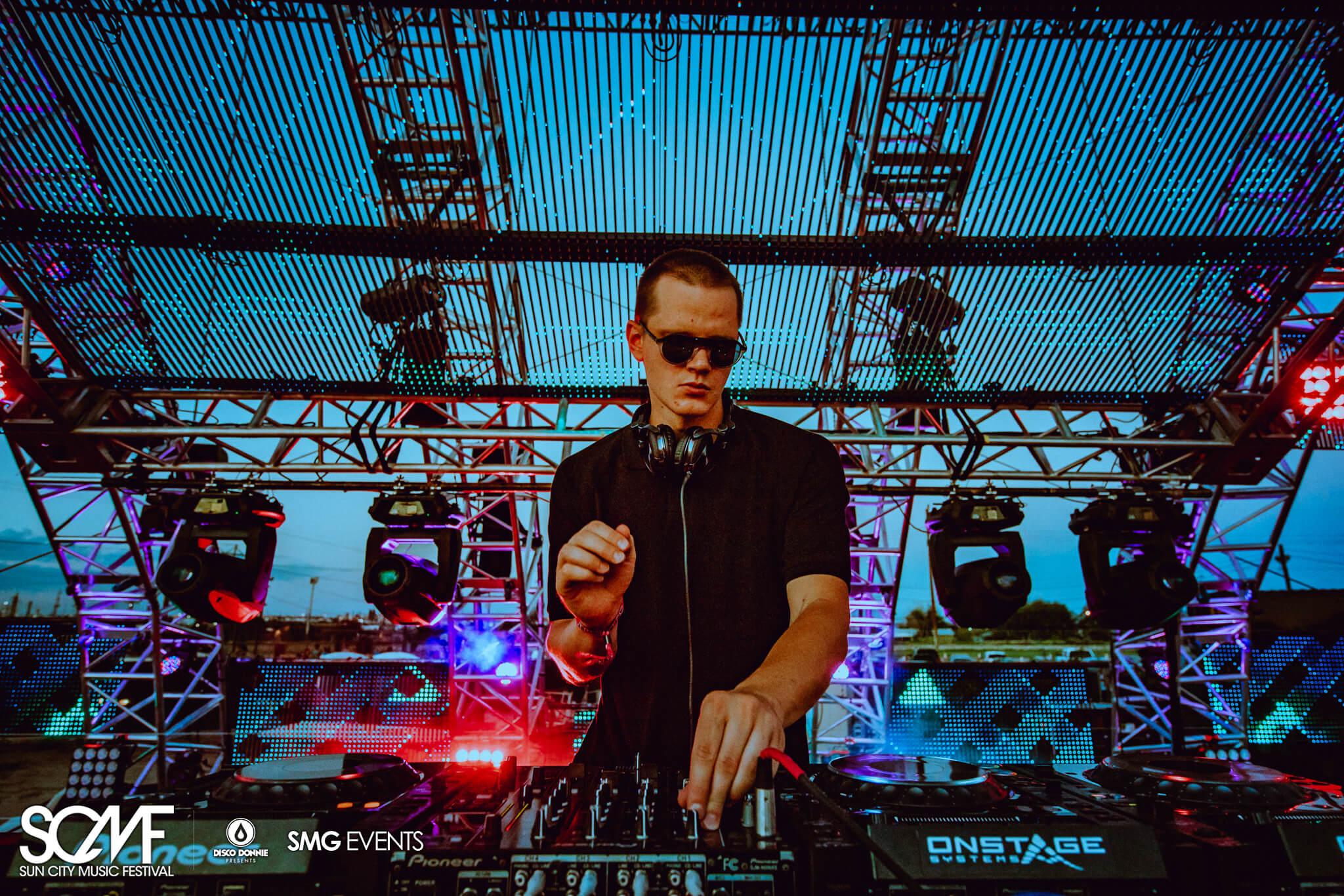 DJ live at scmf