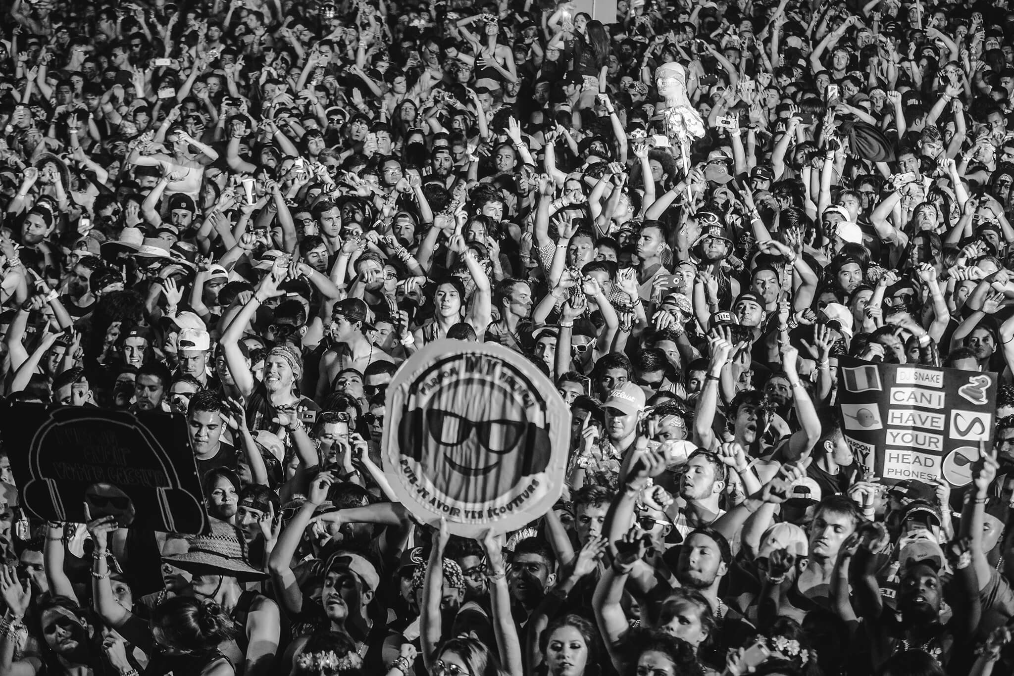 emoji in the crowd at ultimate music experience