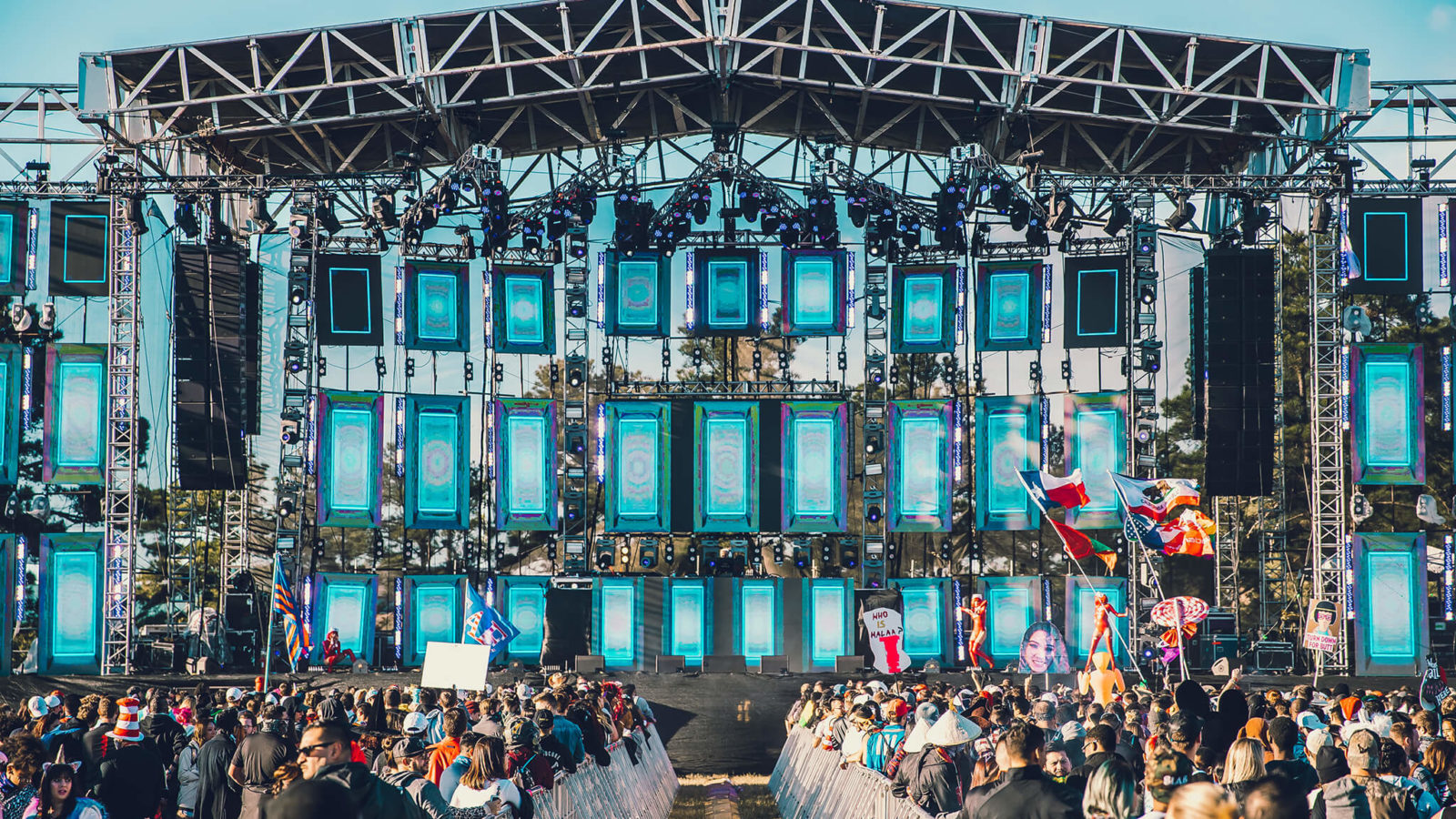 day time at the main stage