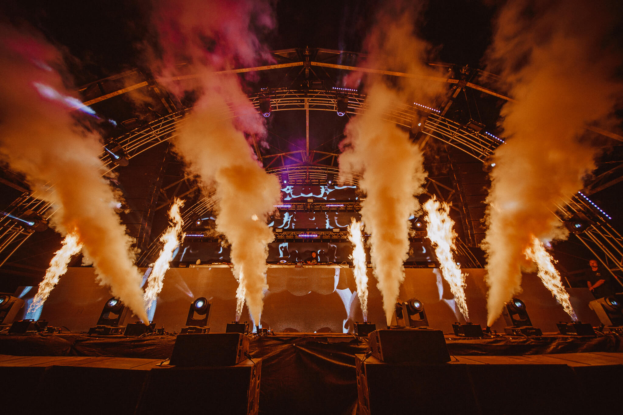 fire and rage at the main stage