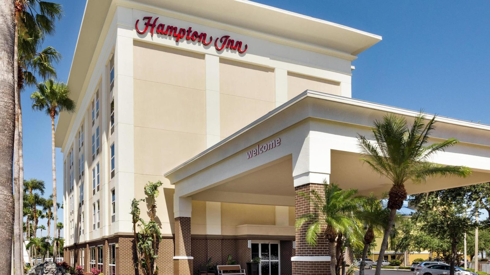 Hampton Inn Tampa Rocky Point exterior