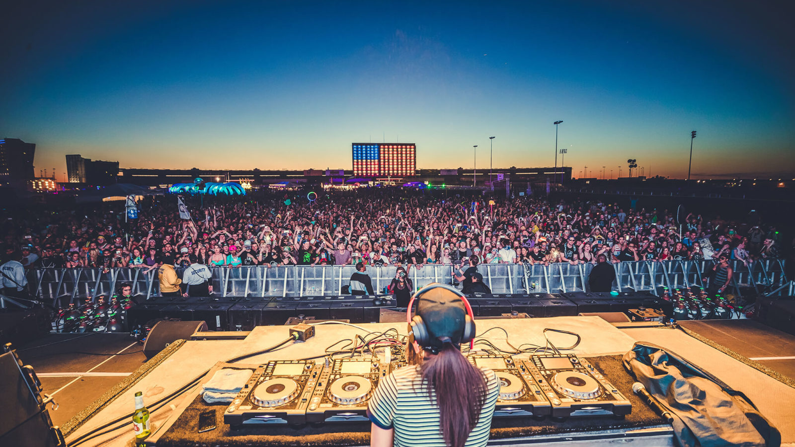 rezz lights up the stage at sunset