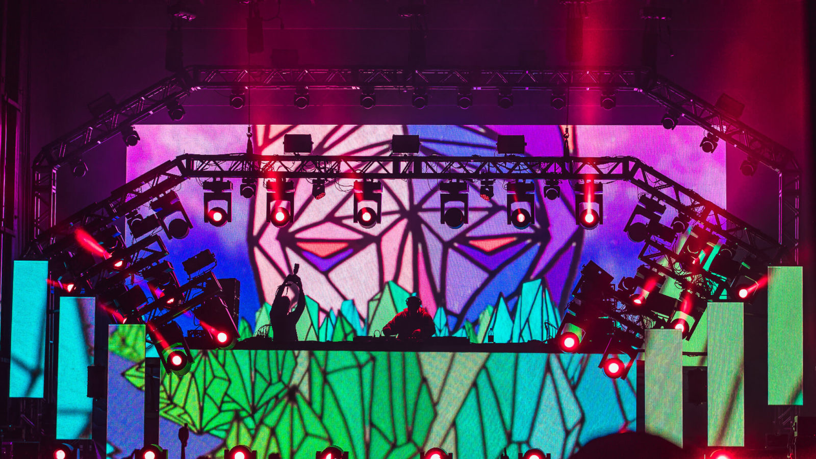 borgore and a colorful stage is nice