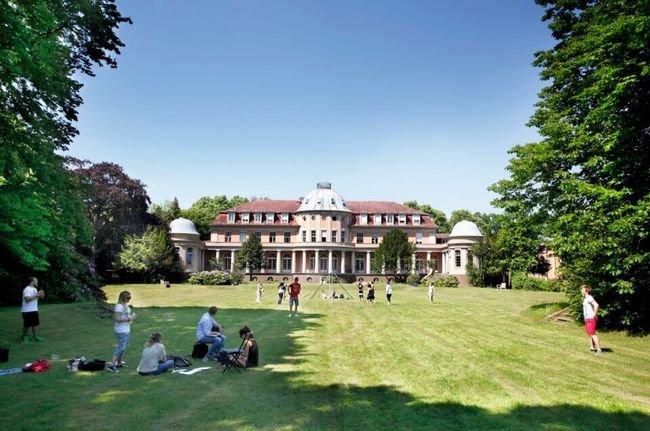 Medical-School-Berlin2_ea42a548e8.jpg