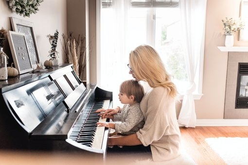 Musiktherapeut_Gesundheitsberufe.de.jpg