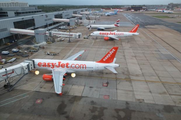 4 - Aviões da EasyJet