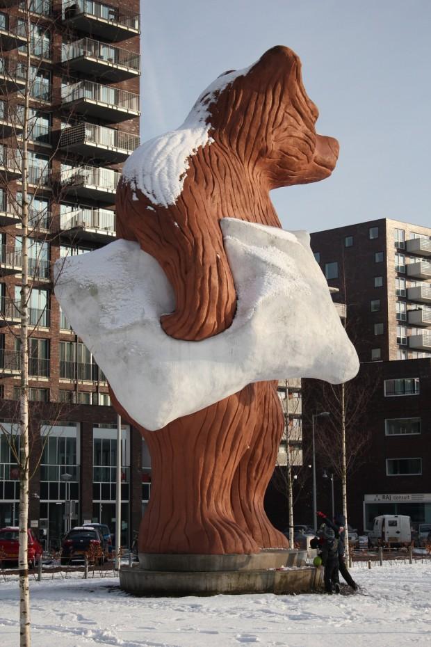 Urso gigante em Amsterdã